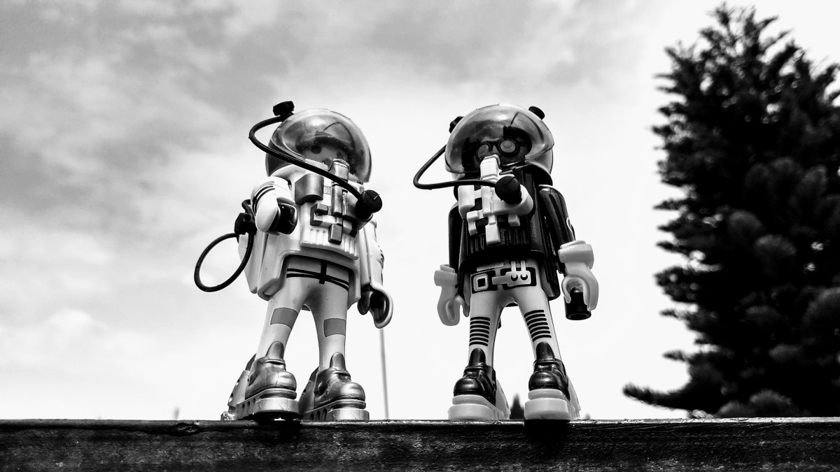 Astronauta noble vs pirata espacial